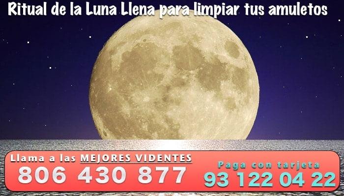 Ritual de Luna Llena para limpiar tus amuletos